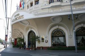 マジェスティックホテルの入り口