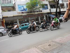 ドンコイ通りのバイク