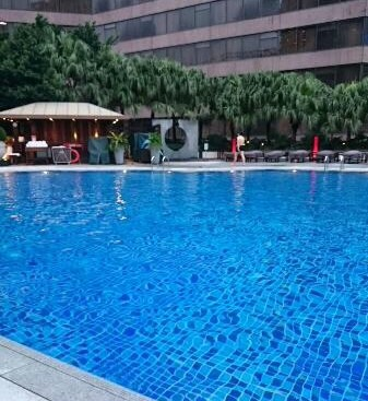 香港-夜景がキレイなホテル-インターコンチネンタル香港-プール-3