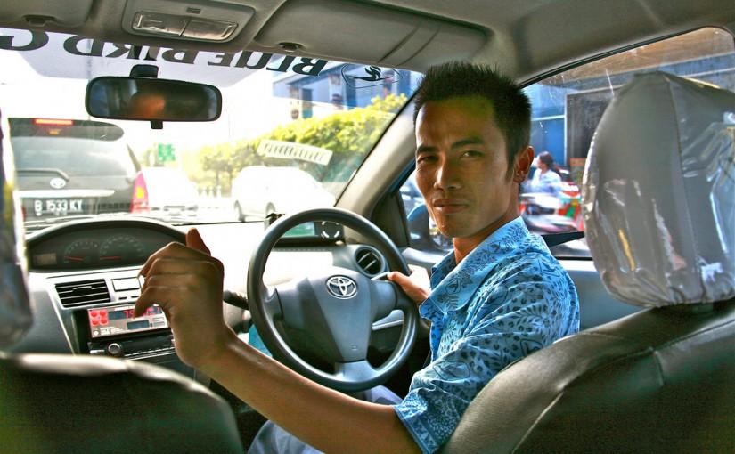 ジャカルタ-タクシー-安全な乗り方