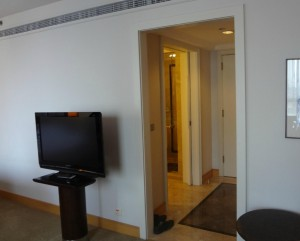 グランドハイアットジャカルタの部屋のテレビ