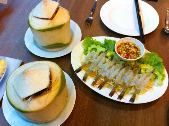 ソンブーン-シーフード-スリウォン-ココナッツ