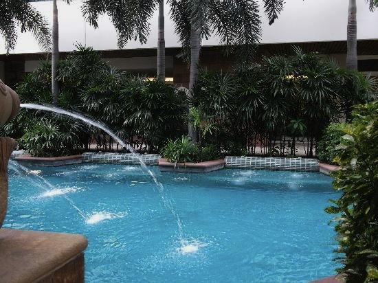 ジャスミン-シティ-バンコクのプール4