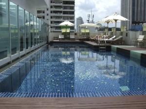 ドリームホテルバンコクのプール2