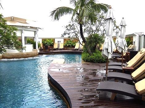 バンコク-プールが良い-ホテル-インターコンチ2