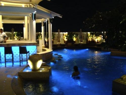 バンコク-プールが良い-ホテル-インターコンチ