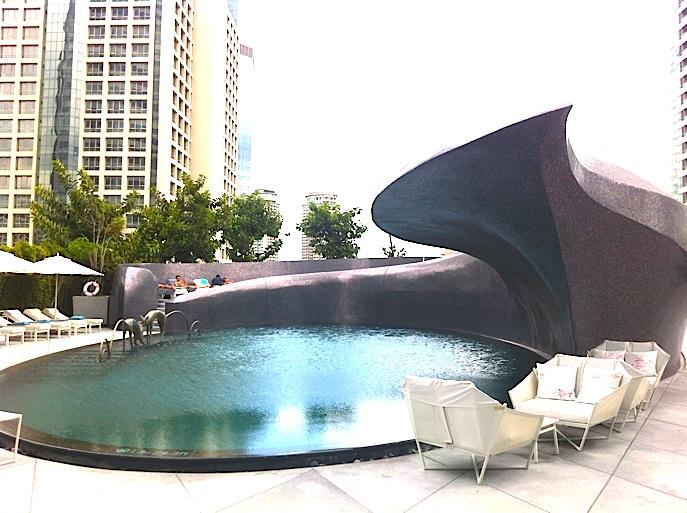 バンコク-プールがオススメ-ホテル-Wホテル