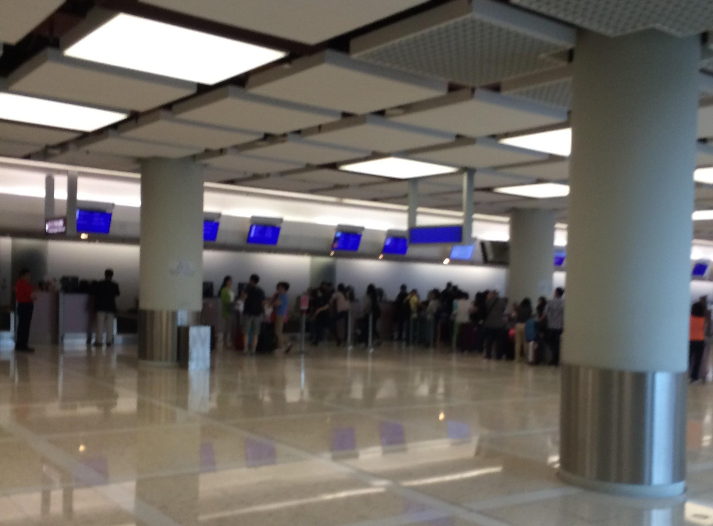 マカオフェリーターミナル-マカオから香港空港-香港ポートピア4