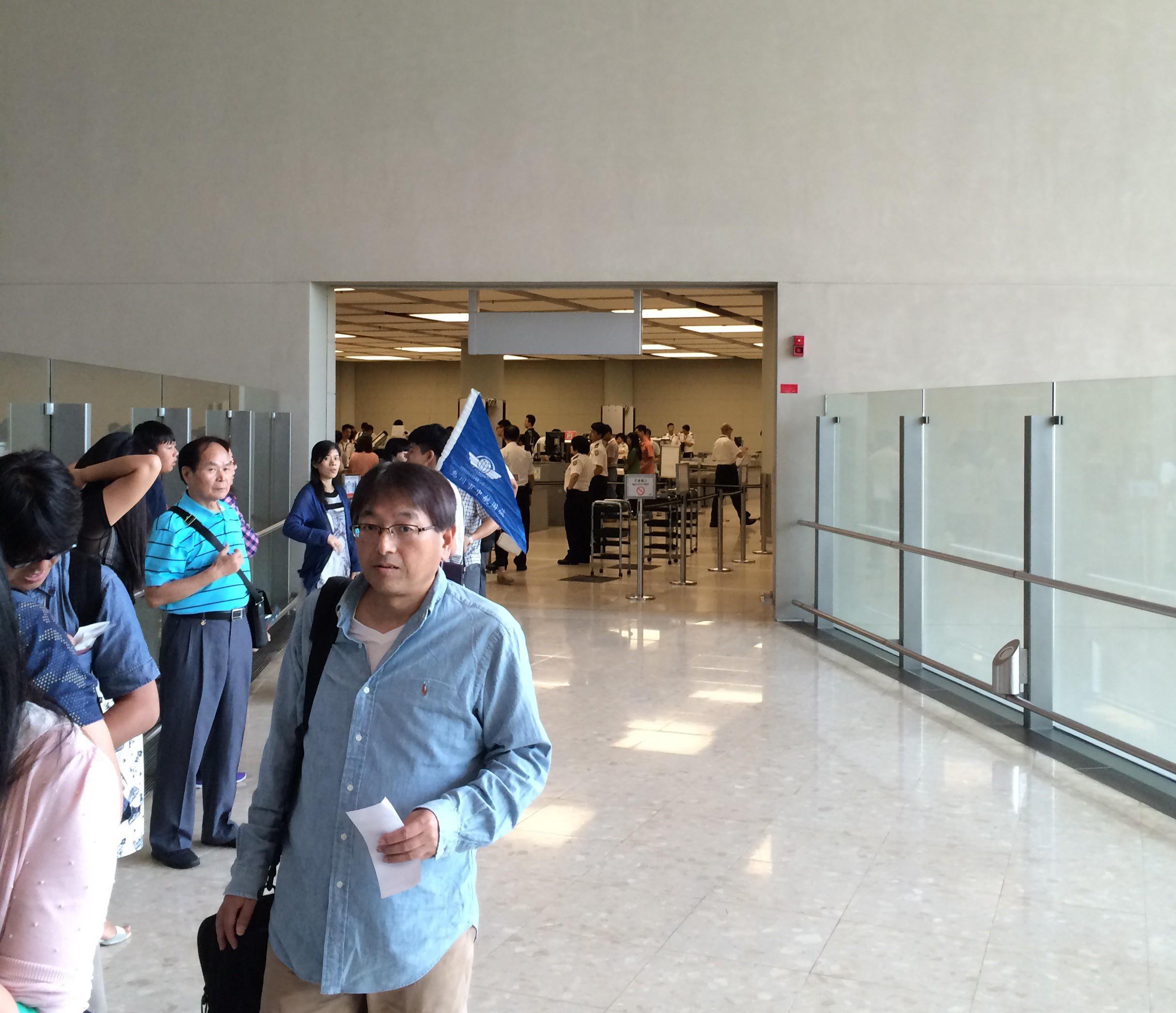 マカオフェリーターミナル-マカオから香港空港-香港ポートピア5