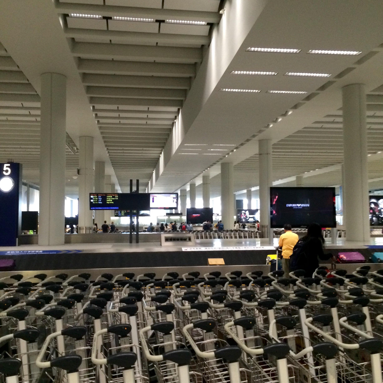 香港国際空港の入国18