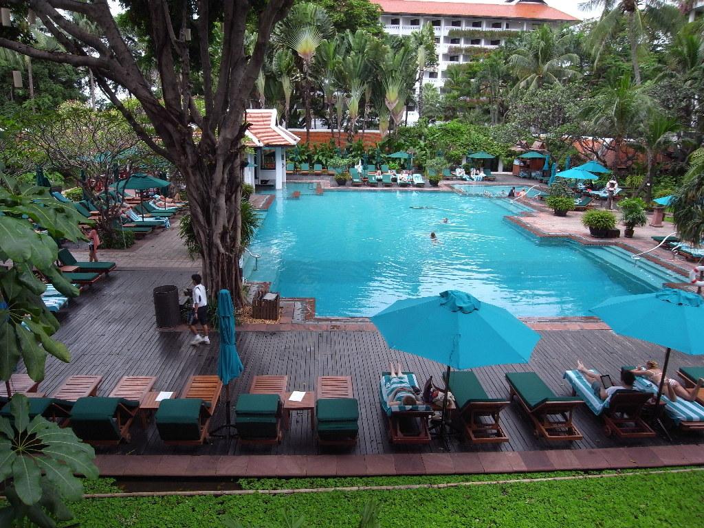 バンコク-プールが人気-ホテル-アナンタラバンコク