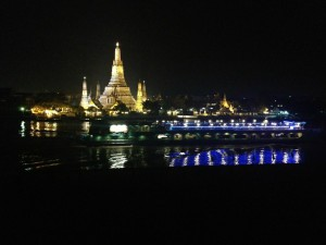 the-deckワットアルンの夜景