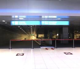 バンコク空港のエアポートリンクの入り口