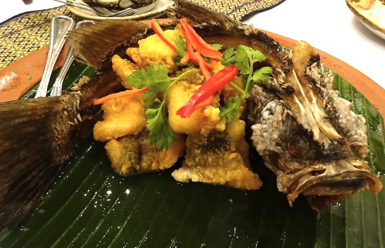バンコクのおすすめレストラン★アソークのタイ料理 ザ ローカル The Local