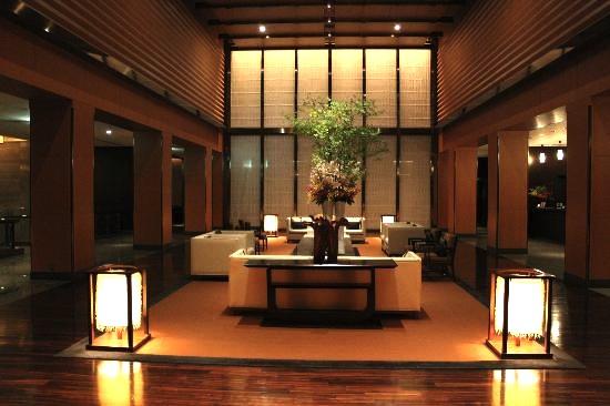 東京の最高級ホテル-マンダリンオリエンタル東京のロビーラウンジ-2