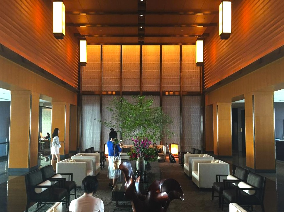 東京の最高級ホテル-マンダリンオリエンタル東京のロビーラウンジ-1