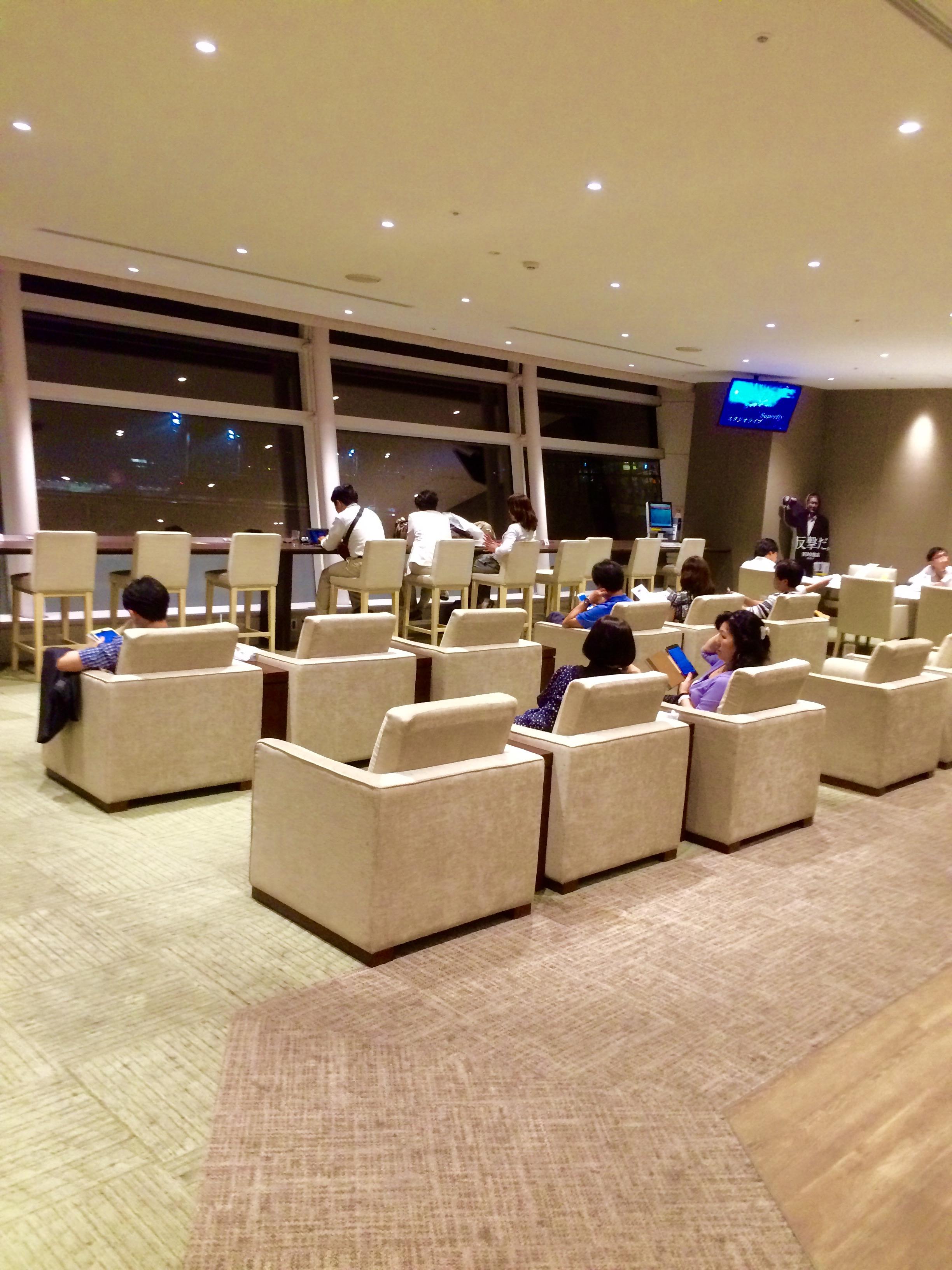 羽田空港-国際線のカードラウンジ-SKY-LOUNGE-16