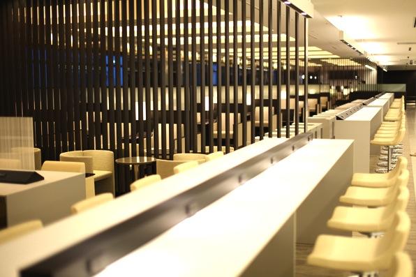 ana-ファーストラウンジ-suite-lounge-3