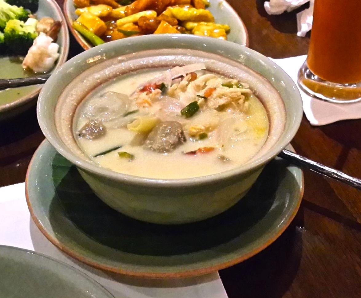 シーロムのタイ料理レストラン-バーンカニタ・ギャラリー-トムカーガイ