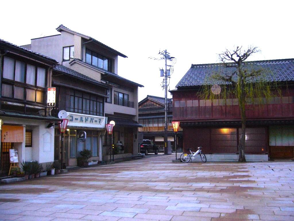 金沢-東茶屋-広場