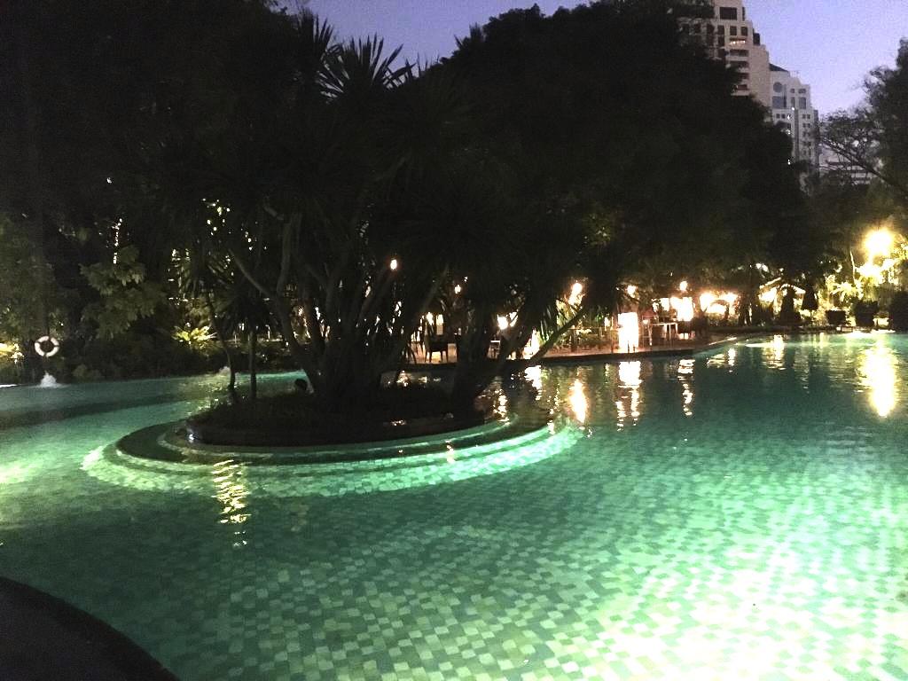 バンコクでプールが大きいホテル-スイソテル-8