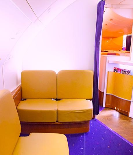 タイ航空-ファーストクラス-シート-キャビン