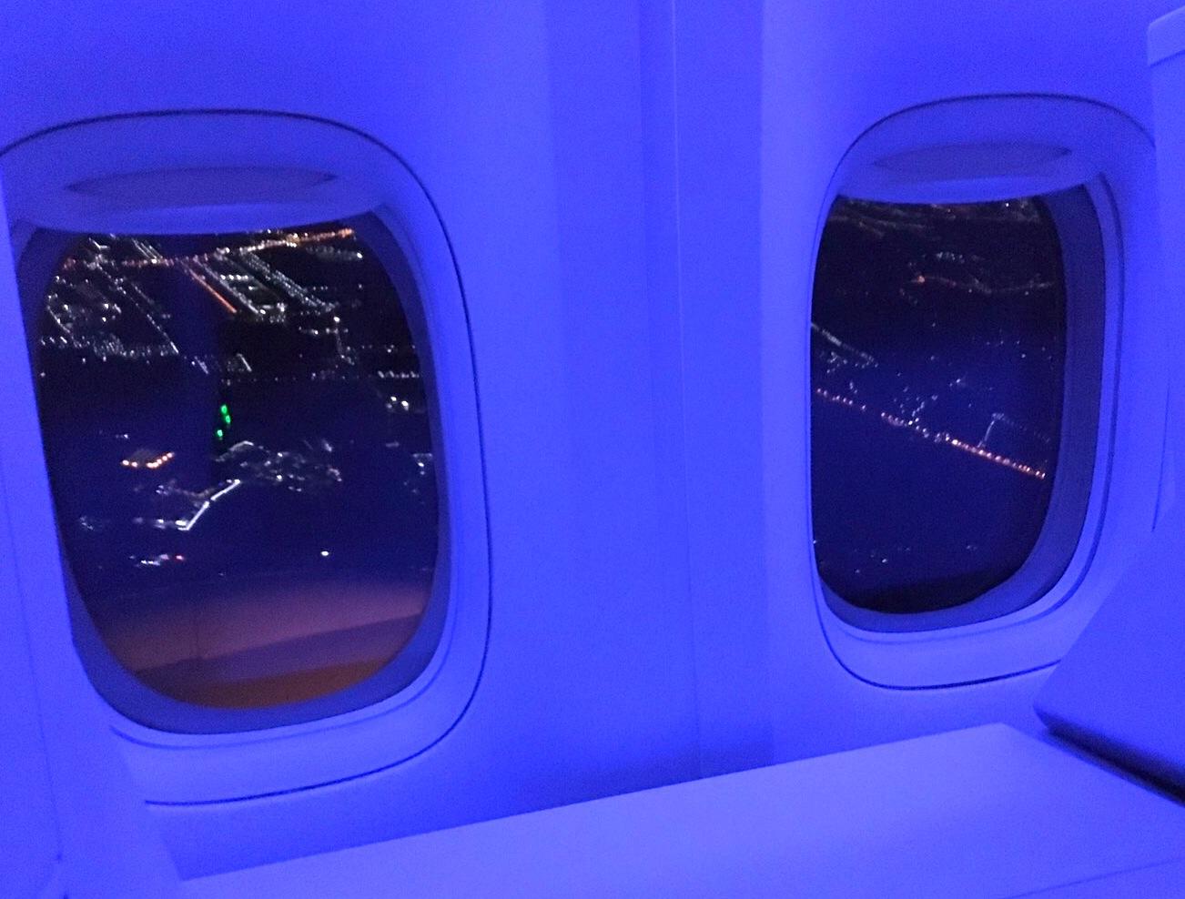 JAL-ビジネスクラス-深夜便-バンコク-1