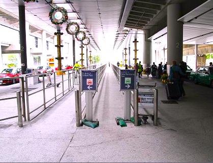 香港空港-タクシーの乗り方-乗り場