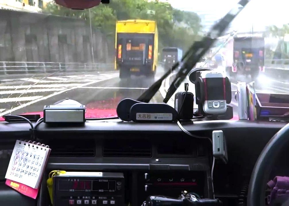 香港-タクシーの乗り方-14