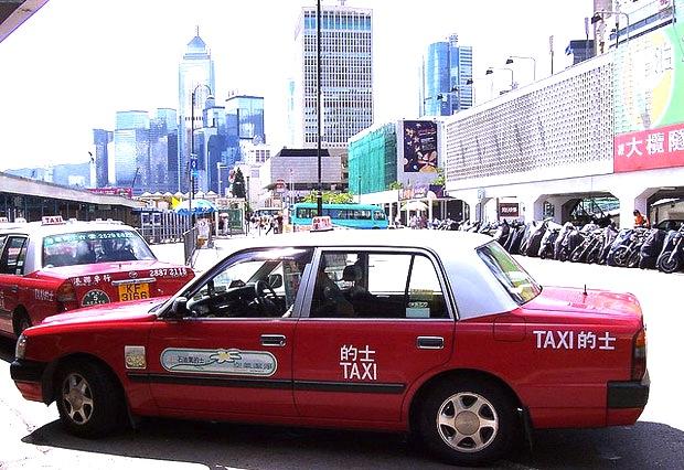香港空港-タクシーの乗り方-1