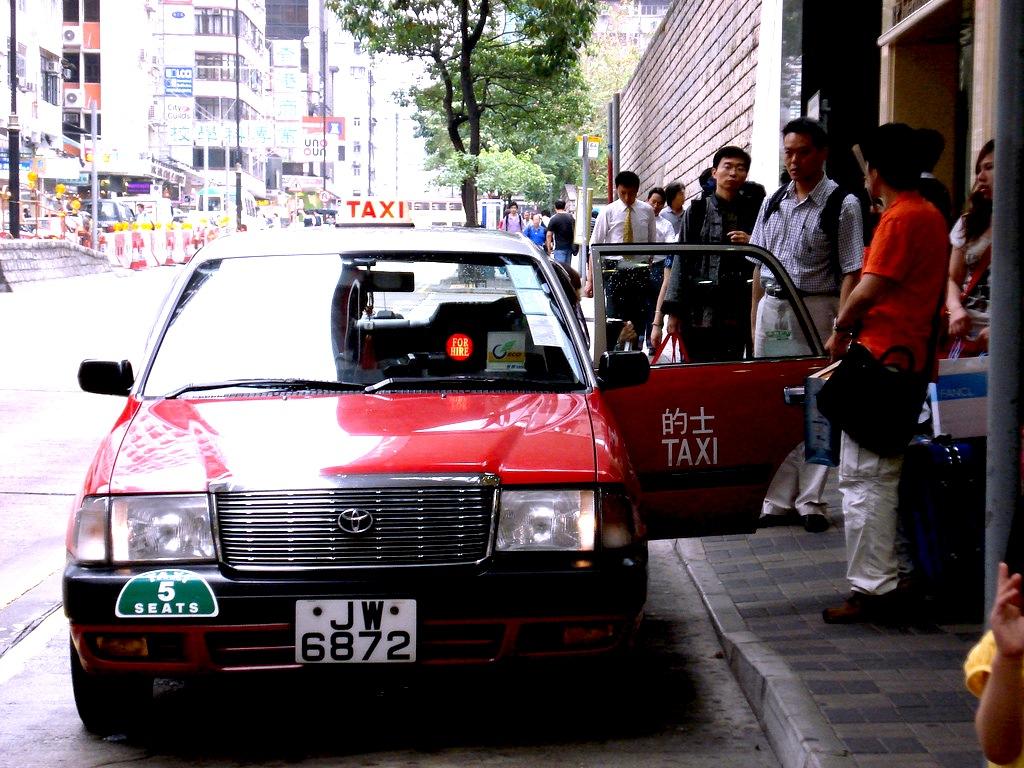 香港-タクシーの乗り方-11