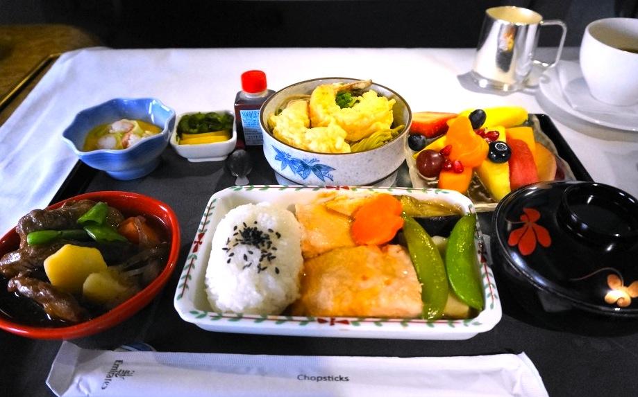 エミレーツ航空-ファーストクラス-成田-機内食