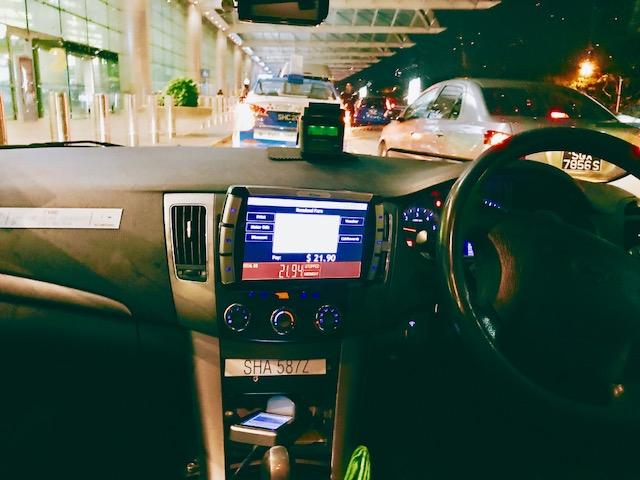 シンガポール-タクシー-空港--料金-時間-メーター