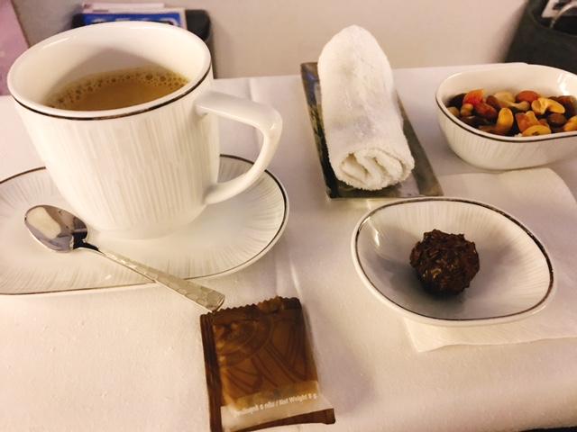 タイ航空-ビジネスクラス-機内食-メニュー-1