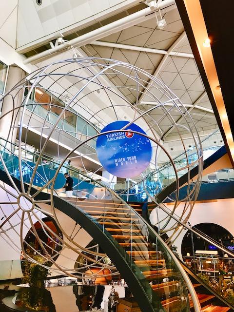 豪華-空港-ラウンジ-イスタンブール-トルコ航空-ビジネスラウンジ-世界一-58