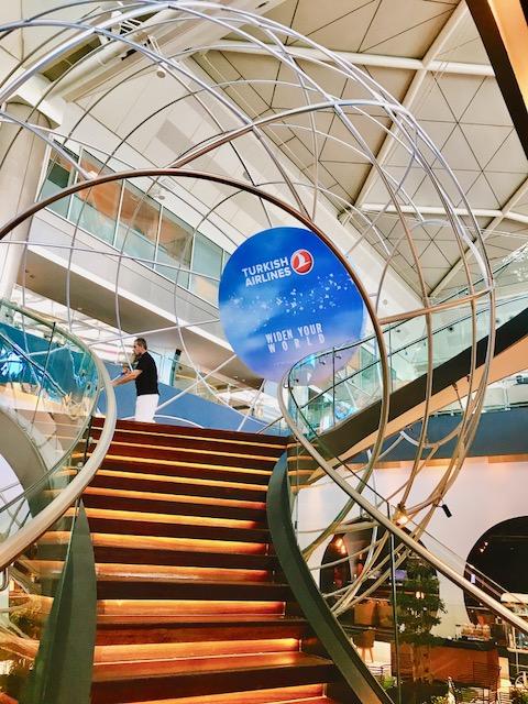 豪華-空港-ラウンジ-イスタンブール-トルコ航空-ビジネスラウンジ-世界一-56