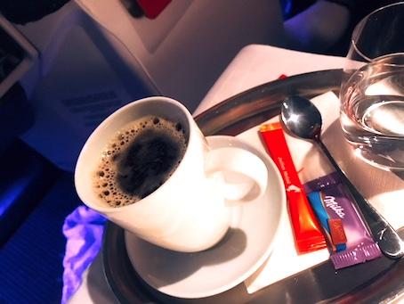 オーストリア航空-ビジネスクラス-機内食-コーヒー