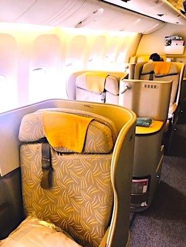 アシアナ航空-ビジネスクラス-シート-スタッカード-2