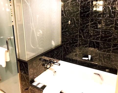 ウェスティン東京-スイート-ホテル-お風呂
