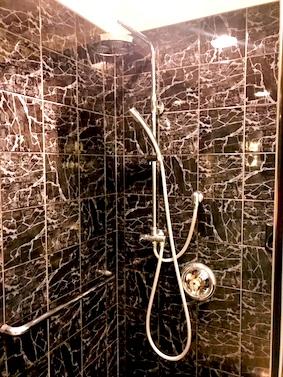 ウェスティン東京-スイート-ホテル-シャワー