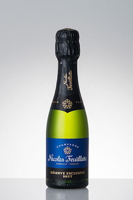 ana-プレミアムエコノミー-シャンパン